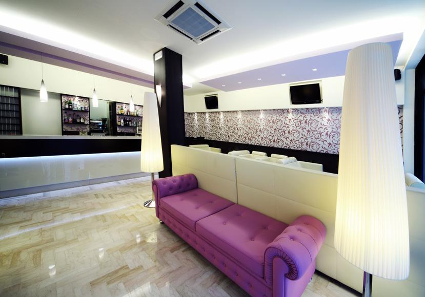 Bg arredo hotel rimini 5 sinventa arredamento gelaterie for Arredo negozi rimini