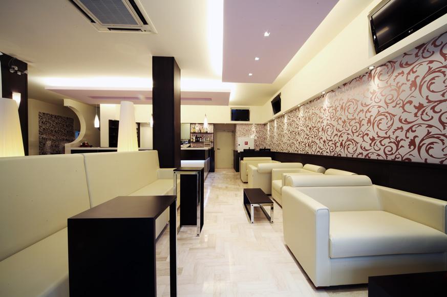 Bg arredo hotel rimini 7 sinventa arredamento gelaterie for Arredo negozi rimini
